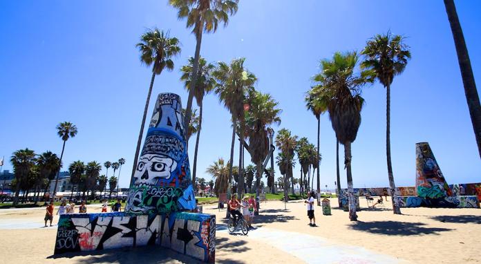 "Atraksi Terbaik di Pantai ""Venesia"" Abbot Kinney Boulevard"